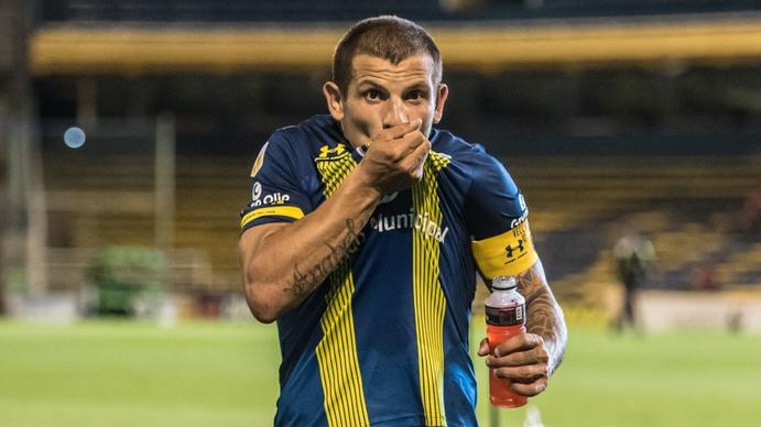 Emiliano Vecchio: El gran problema del fútbol argentino hoy es el miedo al error
