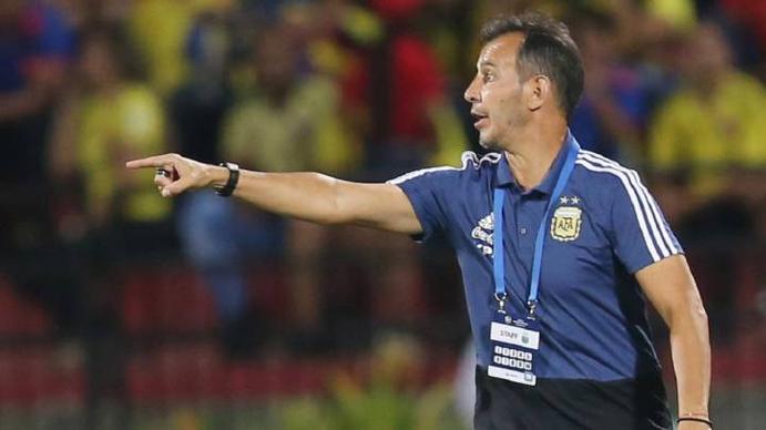 Fernando Batista: España es un equipo protagonista y de posesión