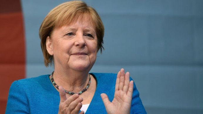 Alan Pauls: Angela Merkel es la mamá de los alemanes