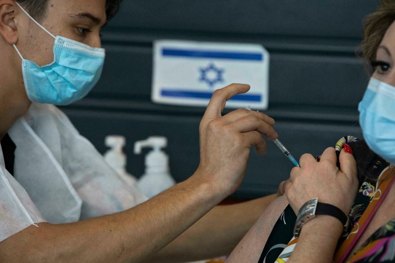 Gabriel Ben Tasgal: En 5 meses la inmunidad con dos dosis cayó del 93 al 50%