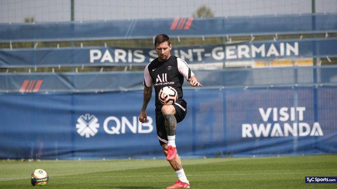 Lionel Messi en el entrenamiento del PSG en el Camp des Loges