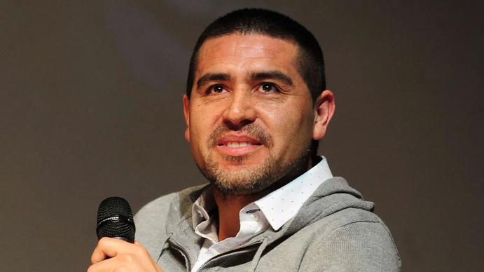 Rodrigo Riep: Que Riquelme esté entre los 10 mejores jugadores, no quiere decir que esté entre los mejores dirigentes
