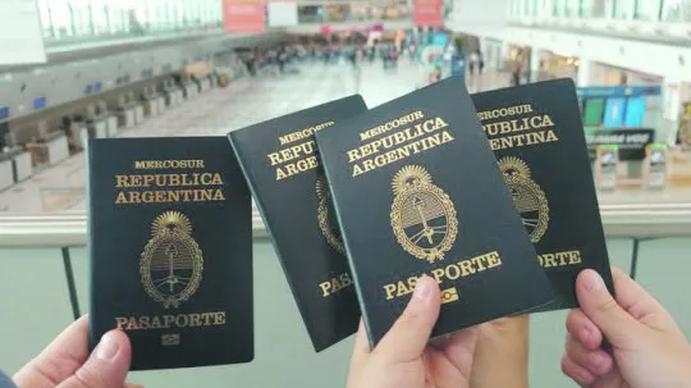 Laura Otero: Llevo un año de responder preguntas de cómo emigrar de la Argentina a España